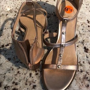 ad343f8739 Jack Rogers Shoes - Jack Rogers size 9.5 Julia Rose Gold LAST PAIR